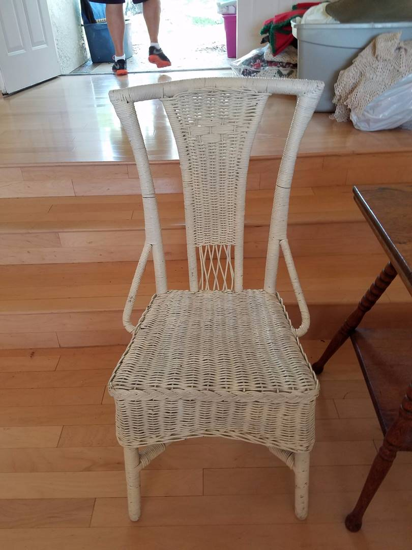 Lot 147 White Wicker Chair Movin On Estate Sales