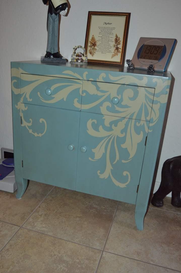 Lot # 18 Wood wall cabinet (main image)