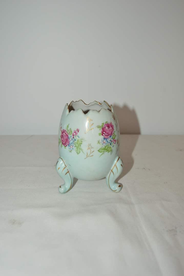 Lot # 20 Vintage Napcoware porcelain footed egg vase (main image)