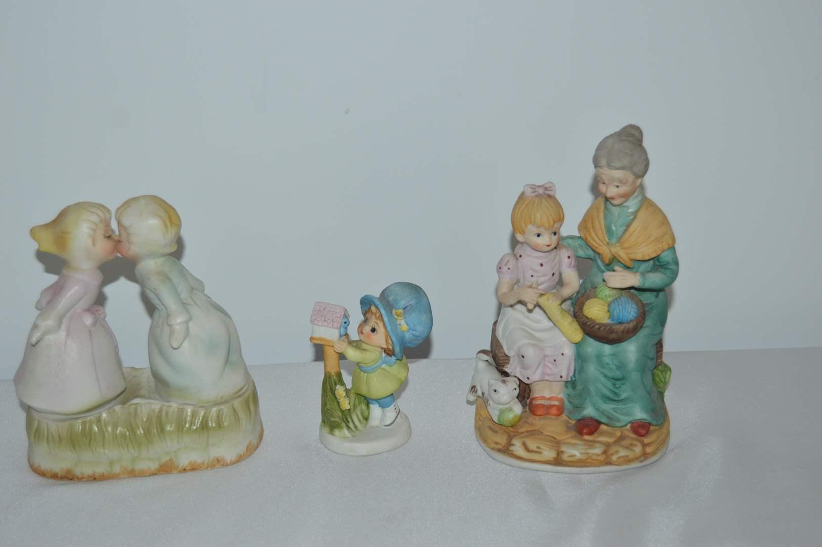 Lot # 72 3 Vintage figurines (main image)