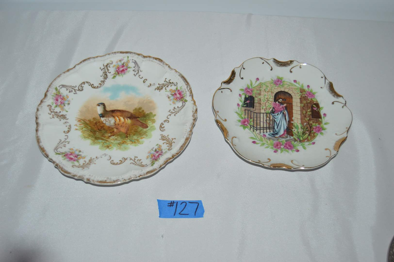 Lot # 127 Bavaria & 18k gold trimmed collectible plates  (main image)