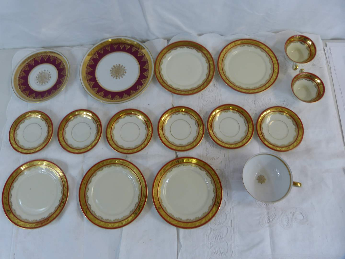 Lot # 71 Great Collection of vintage Cups and saucers (main image)