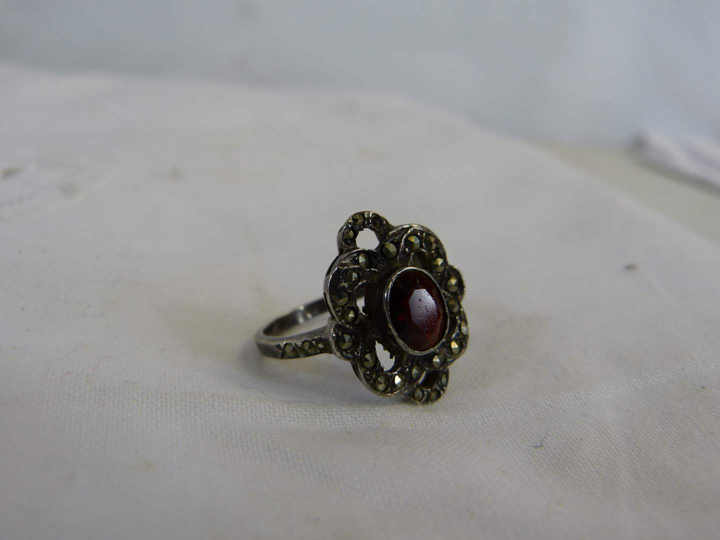 Lot # 158 Sterling Blood Stone? size 8 ring (main image)