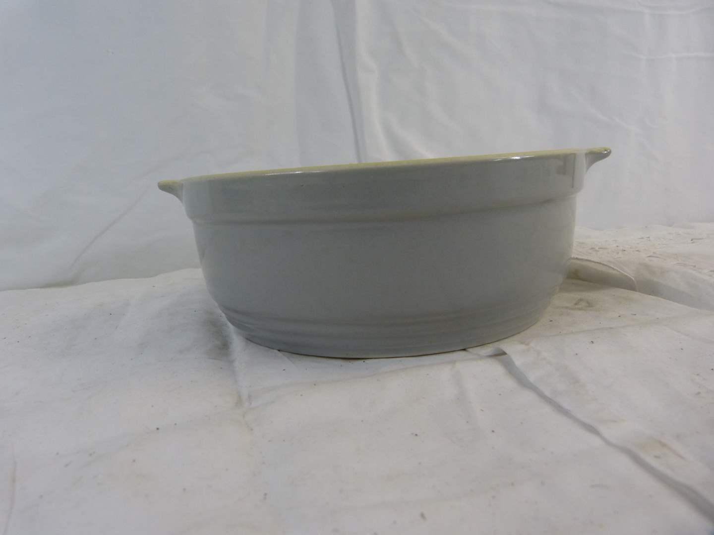 """Lot # 219 Hall General Electric oven bowl 8"""" across & 3"""" deep (great condition) (main image)"""
